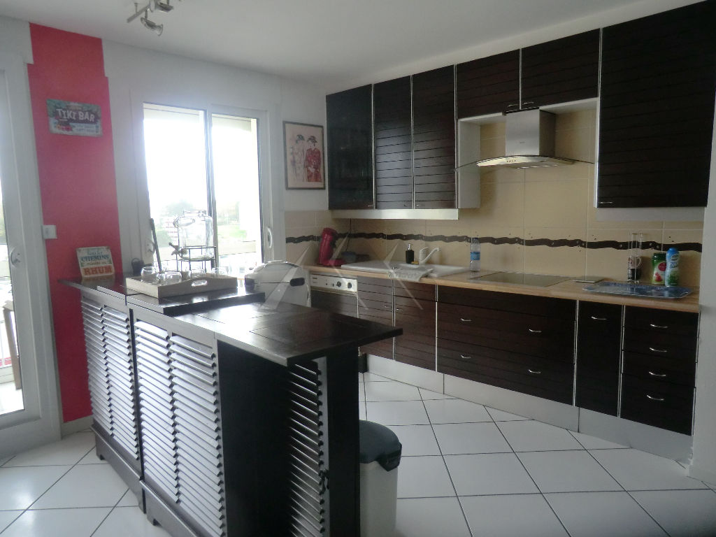 A VENDRE APPARTEMENT BREST GEANT 5 pièce(s) 95 m2 3 ch ascenseur,balcon,place parking privative