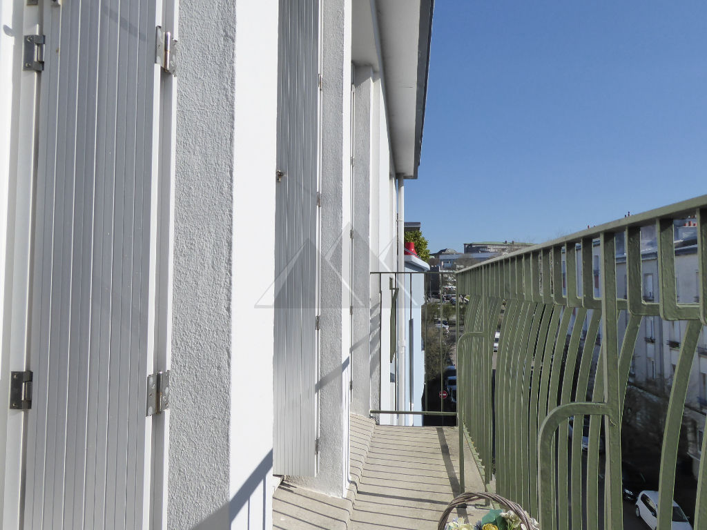 A VENDRE APPARTEMENT T5 BALCON  ASCENSEUR GARAGE CENTRE VILLE BREST